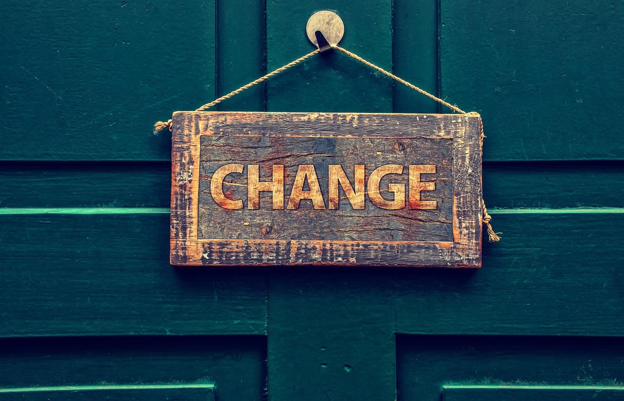 Schild: Change